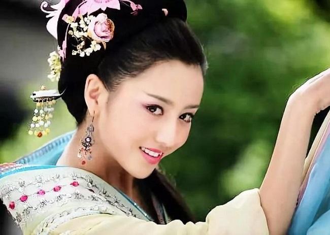 Ngây người vì dung mạo của tiên nữ tộc người đẹp nhất Trung Á-7