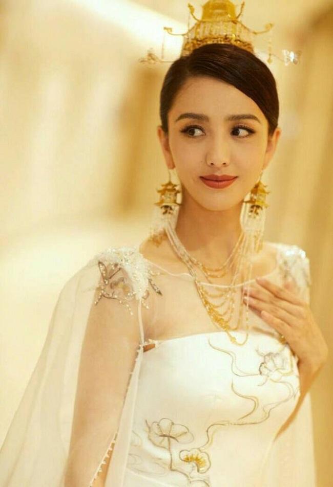 Ngây người vì dung mạo của tiên nữ tộc người đẹp nhất Trung Á-12