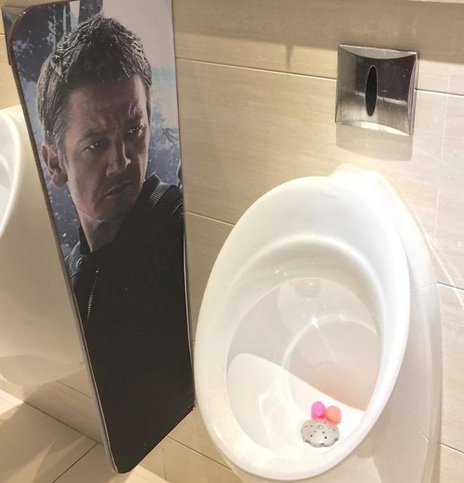 20 thiết kế nhà vệ sinh thảm họa khiến dân mạng thủ thỉ: Thôi, thà nhịn còn hơn-13