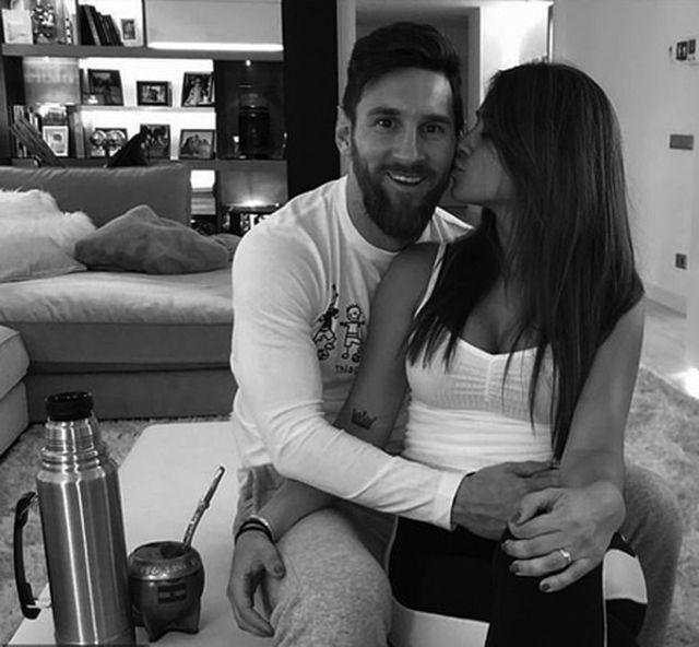 Bức ảnh tình yêu định mệnh từ khi Messi mới 10 tuổi-2