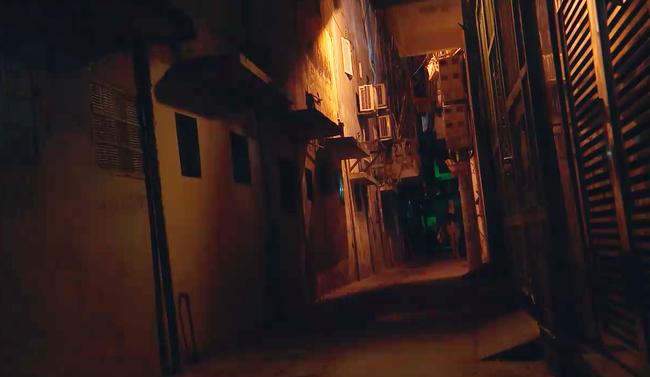 Phim của Hoàng Thùy Linh gây sốc với cảnh tên biến thái tấn công tình dục gái trẻ đi đêm-2