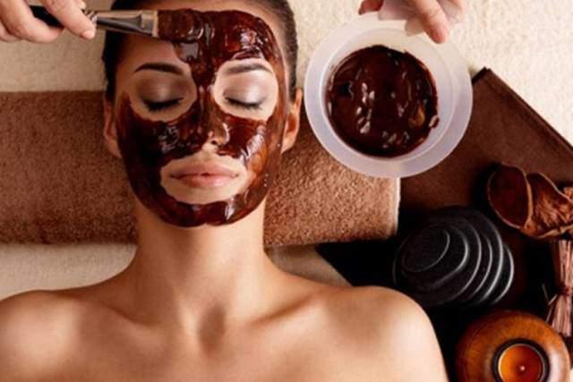 Đi tắm trắng, cô gái khiến cả mạng xã hội hốt hoảng vì da trông như... phỏng nặng-4