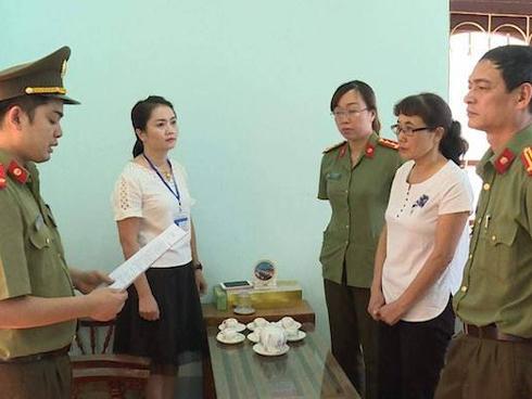 Con được nâng điểm, Chánh thanh tra Sở Giáo dục Sơn La vẫn tập huấn thi 2019-1