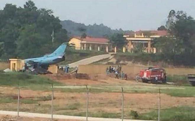 NÓNG: Máy bay quân sự gặp sự cố ở Yên Bái, phi công nhảy dù thoát nạn-1