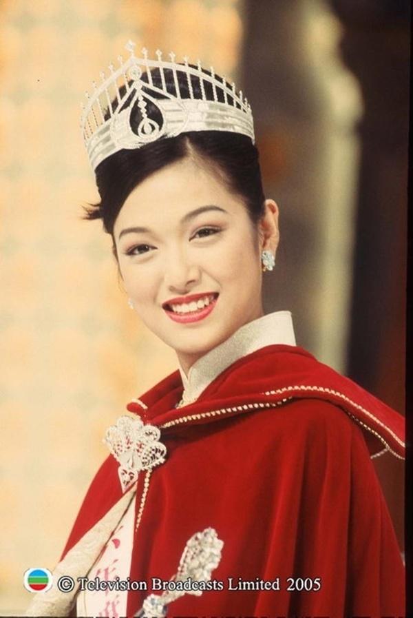 Lý San San: Hoa hậu tam nhất Hong Kong đột ngột mất tích với bệnh u não và câu trả lời vào 8 năm sau khiến mọi người bất ngờ-1