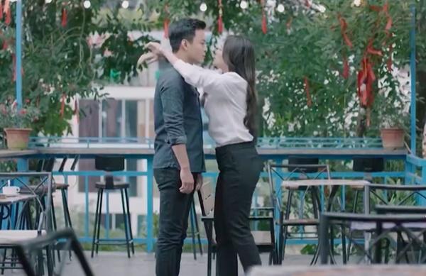 Hé lộ cảnh Hoàng Thùy Linh chủ động ôm ấp, hôn môi, gọi Hồng Đăng là người yêu-2