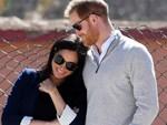 Meghan có thể đang sinh con đầu lòng, người hâm mộ nín thở chờ đợi khi xe cứu thương xuất hiện bên ngoài nhà của vợ chồng Hoàng tử Harry-3
