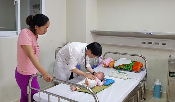 Hàng chục trẻ nhập viện vì viêm não, dấu hiệu cha mẹ dễ bỏ qua-1