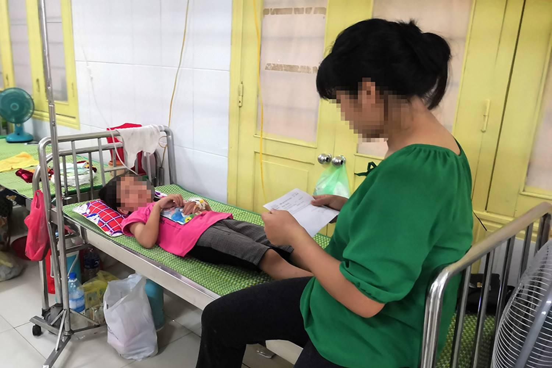 Bé gái lớp 2 nghi bị xâm hại ở Nghệ An: Giả chết để bảo toàn tính mạng-1