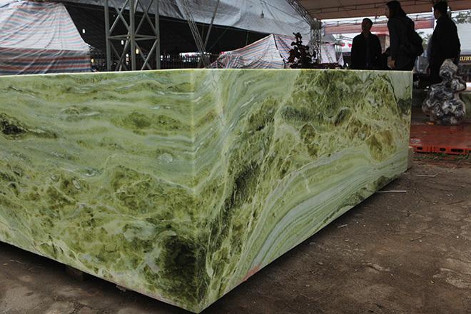 Sập ngọc nguyên khối nặng chục tấn: Đại gia bỏ tiền tỷ nằm mát lưng-14