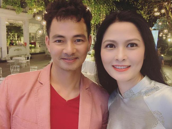 Toàn cảnh tiệc cưới kiểu một lần chơi lớn của NSND Trung Hiếu, biến đám cưới thành Đại hội Hội Nghệ sĩ sân khấu Việt Nam-30