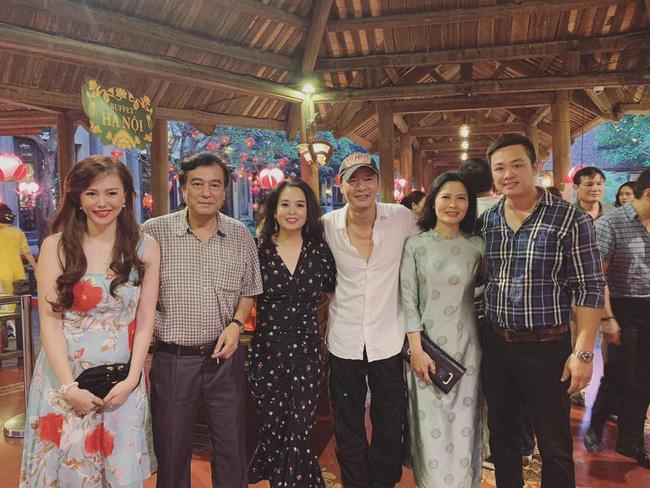Toàn cảnh tiệc cưới kiểu một lần chơi lớn của NSND Trung Hiếu, biến đám cưới thành Đại hội Hội Nghệ sĩ sân khấu Việt Nam-29