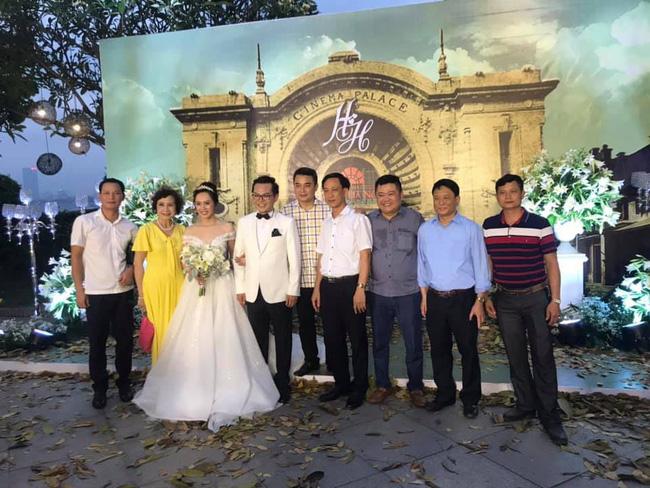 Toàn cảnh tiệc cưới kiểu một lần chơi lớn của NSND Trung Hiếu, biến đám cưới thành Đại hội Hội Nghệ sĩ sân khấu Việt Nam-21