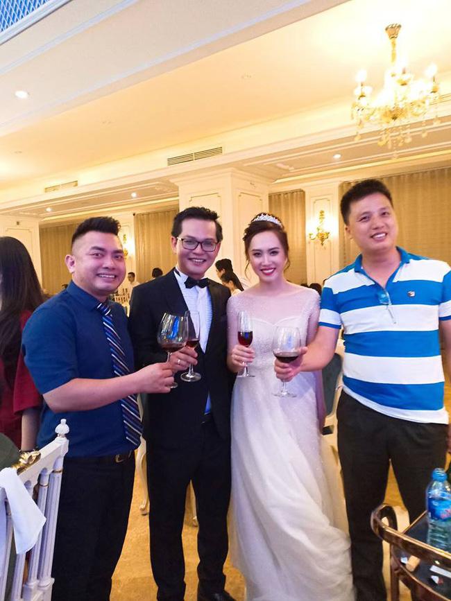 Toàn cảnh tiệc cưới kiểu một lần chơi lớn của NSND Trung Hiếu, biến đám cưới thành Đại hội Hội Nghệ sĩ sân khấu Việt Nam-16