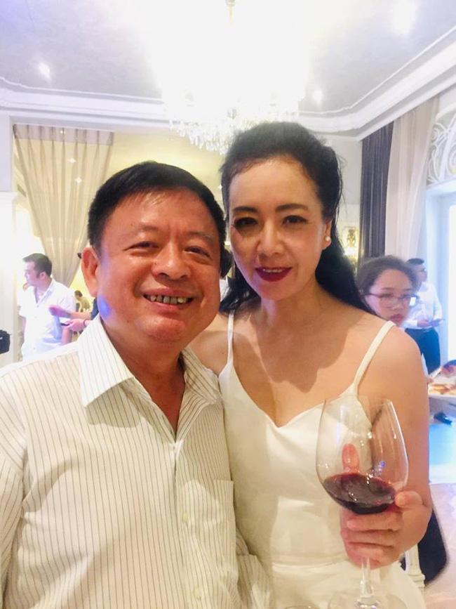 Toàn cảnh tiệc cưới kiểu một lần chơi lớn của NSND Trung Hiếu, biến đám cưới thành Đại hội Hội Nghệ sĩ sân khấu Việt Nam-13