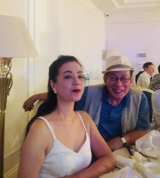 Toàn cảnh tiệc cưới kiểu một lần chơi lớn của NSND Trung Hiếu, biến đám cưới thành Đại hội Hội Nghệ sĩ sân khấu Việt Nam-12
