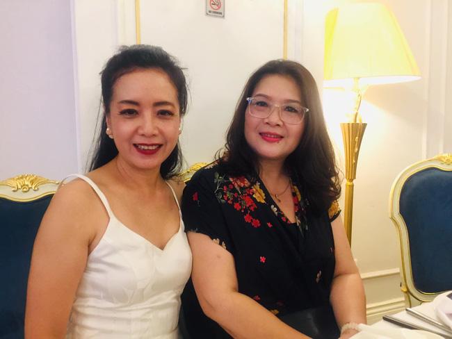 Toàn cảnh tiệc cưới kiểu một lần chơi lớn của NSND Trung Hiếu, biến đám cưới thành Đại hội Hội Nghệ sĩ sân khấu Việt Nam-11