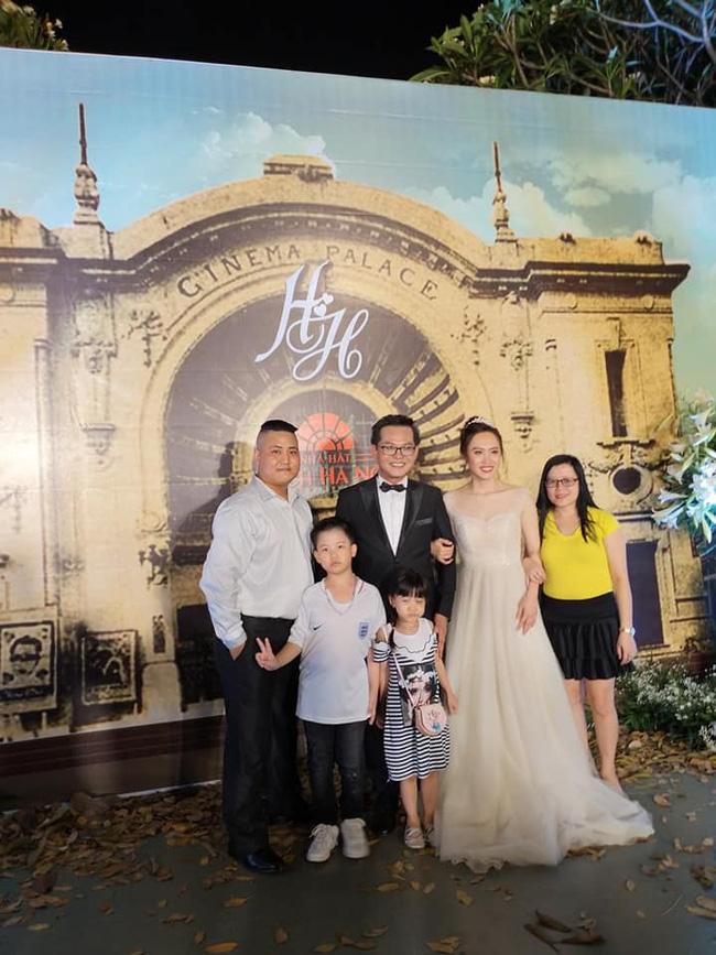 Toàn cảnh tiệc cưới kiểu một lần chơi lớn của NSND Trung Hiếu, biến đám cưới thành Đại hội Hội Nghệ sĩ sân khấu Việt Nam-10