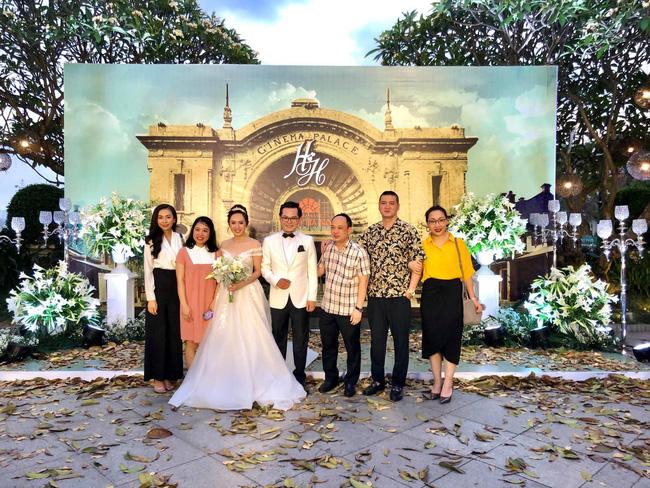 Toàn cảnh tiệc cưới kiểu một lần chơi lớn của NSND Trung Hiếu, biến đám cưới thành Đại hội Hội Nghệ sĩ sân khấu Việt Nam-2