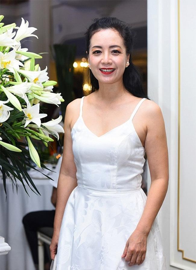 Dàn sao phía Bắc nô nức đến dự đám cưới hoành tráng của NSND Trung Hiếu và vợ trẻ kém gần 2 giáp-3