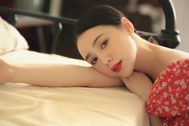 Quỳnh Kool khoe thềm ngực, tiết lộ hậu trường chụp ảnh gợi cảm không ngờ-15