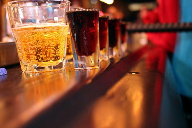 Lý do người sống lành mạnh không uống nước tăng lực: Bạn nên biết 5 tác hại trước khi uống-1