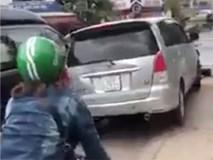 CSGT cùng 2 cô gái truy đuổi xe ô tô nghi vấn như phim hành động trên phố Sài Gòn