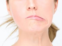 Hốt hoảng khi miệng méo, mặt lệch sau 1 đêm vì thói quen nhiều người làm vào ngày nóng