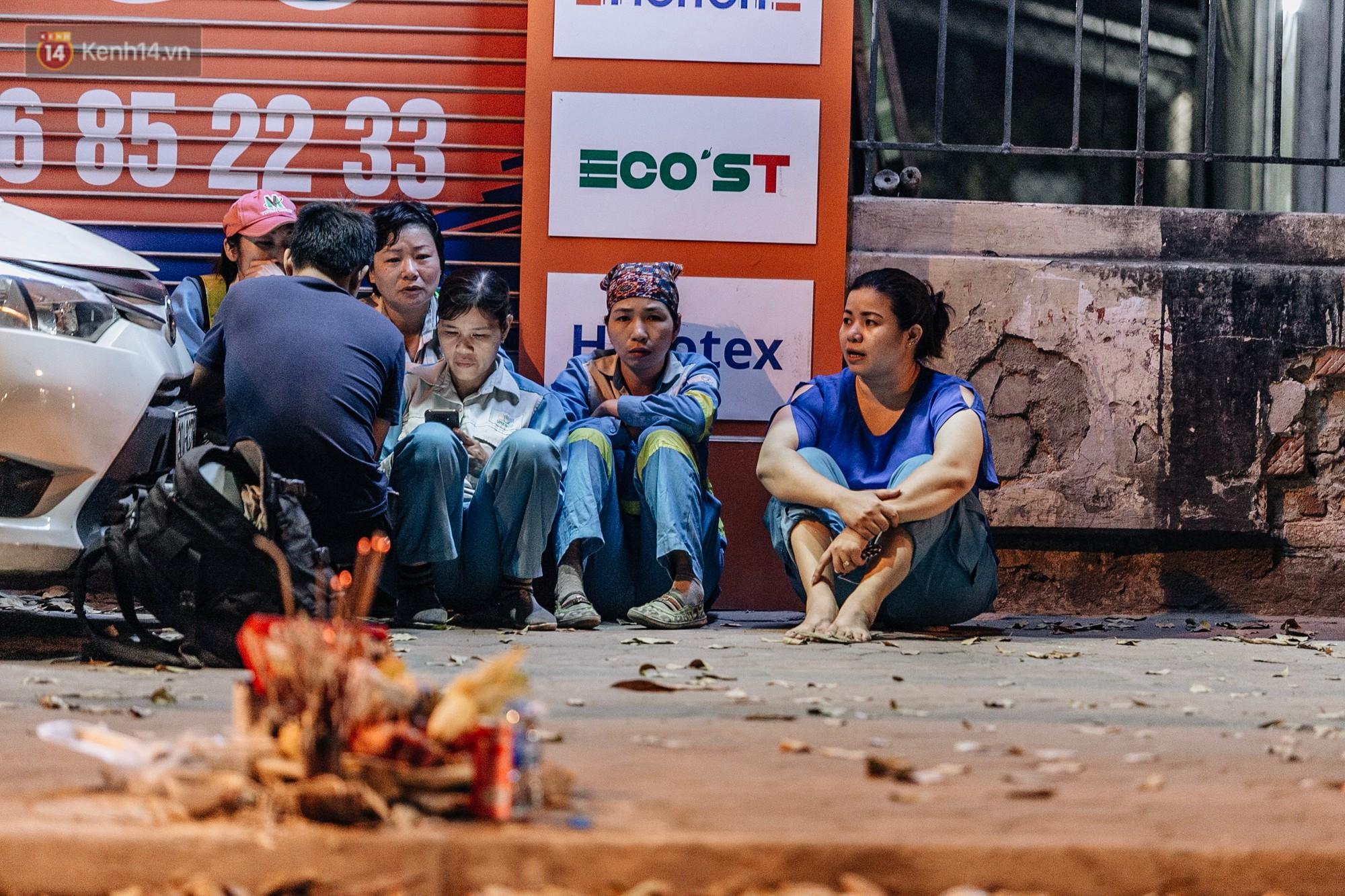 Sự ra đi của nữ công nhân môi trường và nỗi ám ảnh người ở lại: Những phận đời phu rác bám đường phố Hà Nội mưu sinh-2