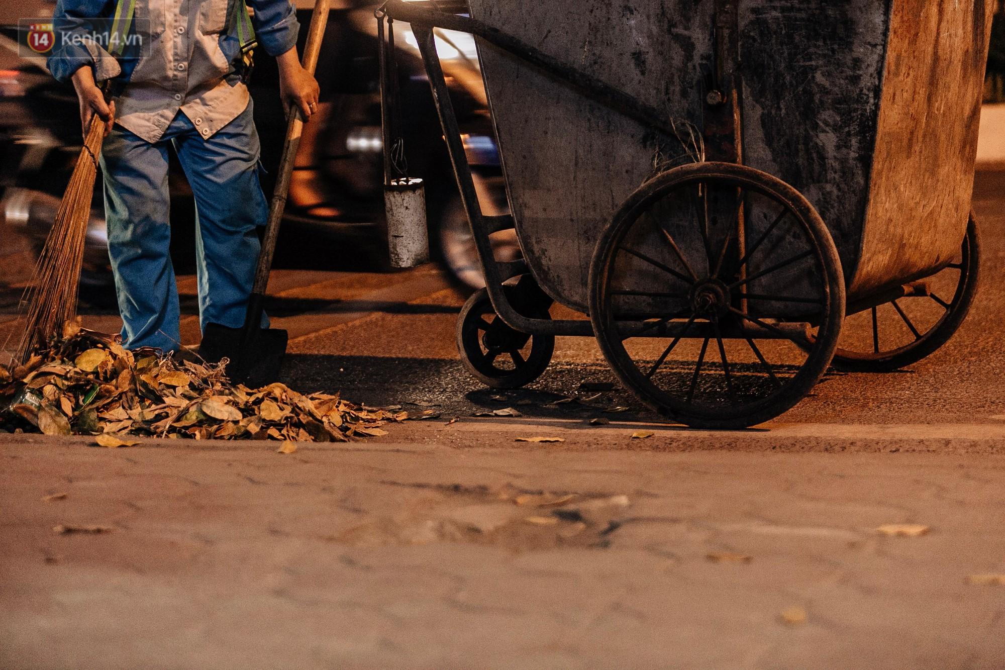 Sự ra đi của nữ công nhân môi trường và nỗi ám ảnh người ở lại: Những phận đời phu rác bám đường phố Hà Nội mưu sinh-8