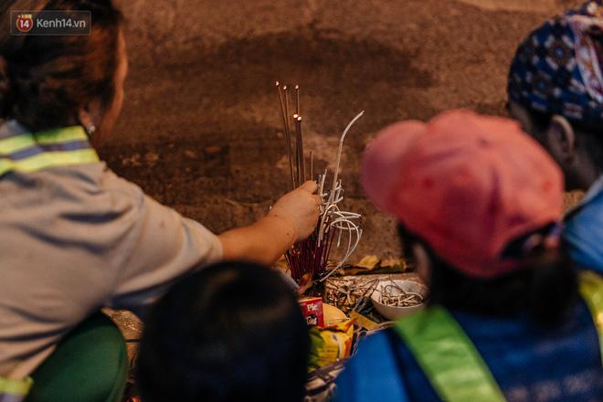 Sự ra đi của nữ công nhân môi trường và nỗi ám ảnh người ở lại: Những phận đời phu rác bám đường phố Hà Nội mưu sinh-12
