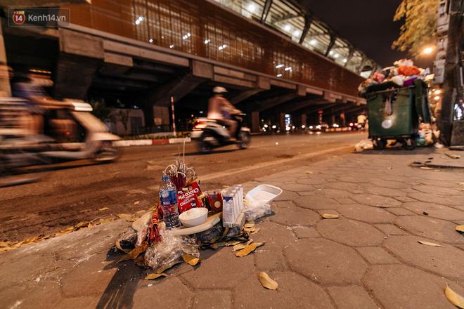 Sự ra đi của nữ công nhân môi trường và nỗi ám ảnh người ở lại: Những phận đời phu rác bám đường phố Hà Nội mưu sinh-13