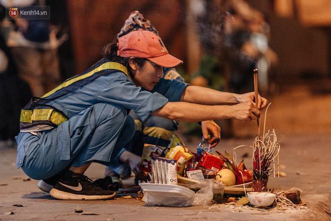 Sự ra đi của nữ công nhân môi trường và nỗi ám ảnh người ở lại: Những phận đời phu rác bám đường phố Hà Nội mưu sinh-10