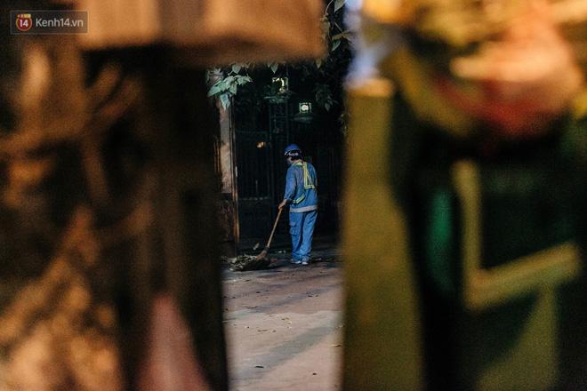 Sự ra đi của nữ công nhân môi trường và nỗi ám ảnh người ở lại: Những phận đời phu rác bám đường phố Hà Nội mưu sinh-18