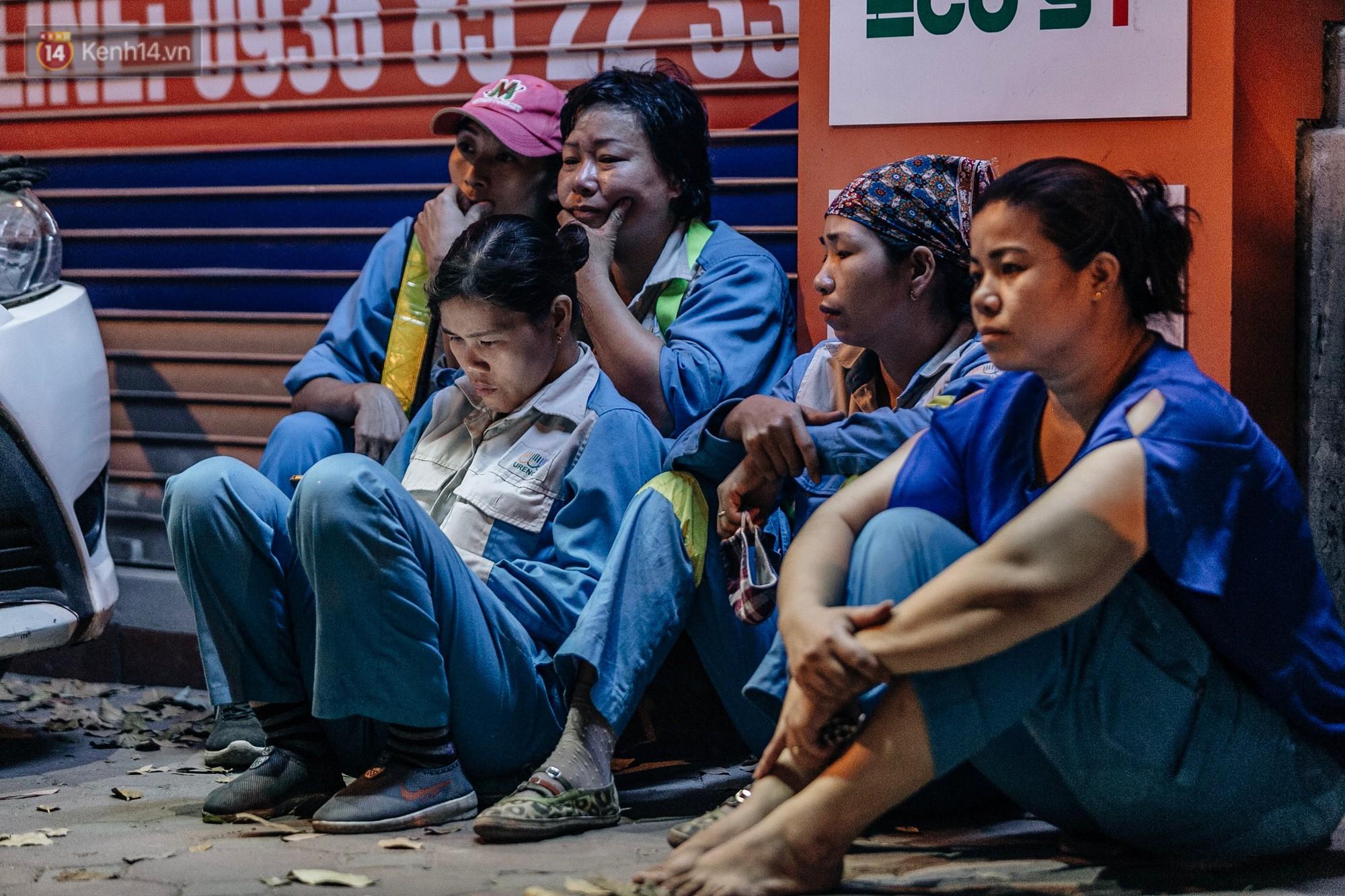 Sự ra đi của nữ công nhân môi trường và nỗi ám ảnh người ở lại: Những phận đời phu rác bám đường phố Hà Nội mưu sinh-19