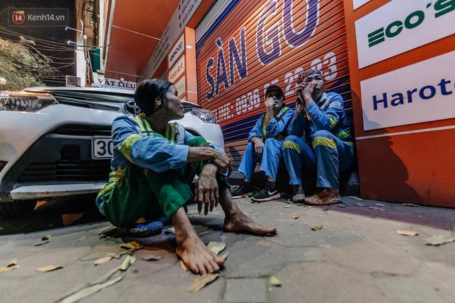 Sự ra đi của nữ công nhân môi trường và nỗi ám ảnh người ở lại: Những phận đời phu rác bám đường phố Hà Nội mưu sinh-21