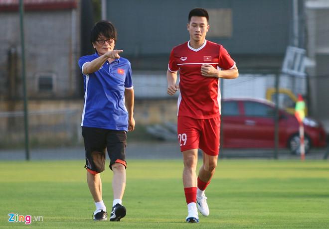 Bác sĩ Hàn Quốc chính thức làm việc ở đội tuyển Việt Nam-1