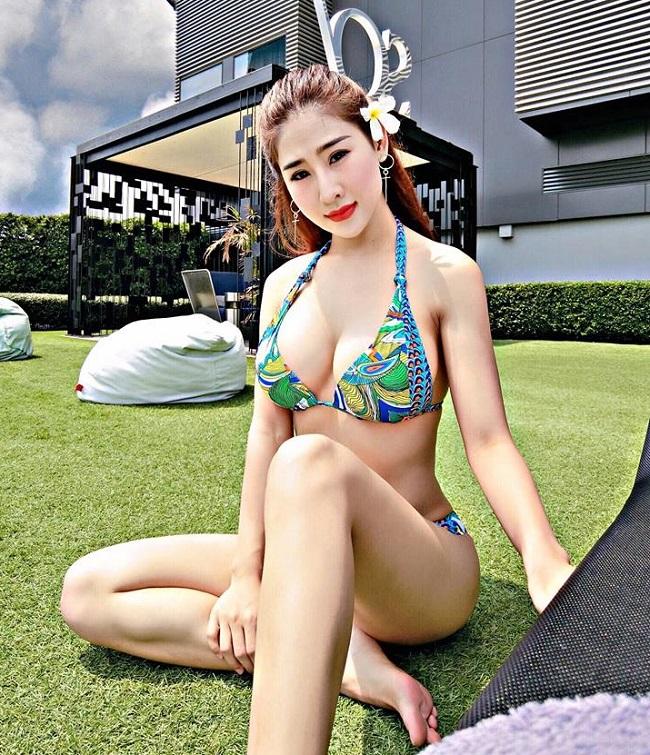Vợ Khắc Việt, nữ DJ Điện Biên... mặc áo tắm nóng bỏng chào hè-12