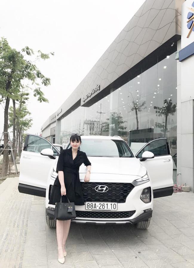 27 tuổi đã có công ty riêng, mẹ nuôi 9X của em bé Lào Cai tậu được cả ô tô tiền tỷ khiến bao người trầm trồ-1