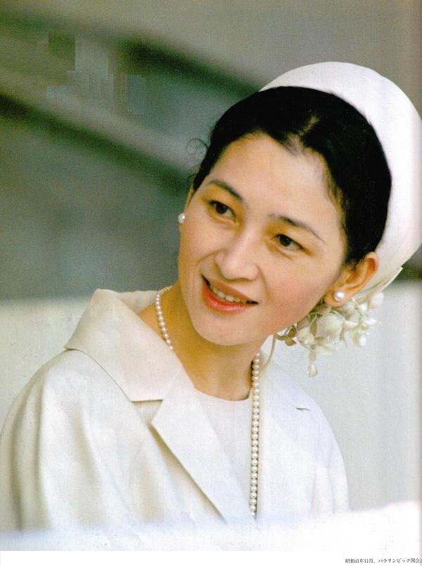 Những nữ nhân tài sắc vẹn toàn của Hoàng gia Nhật: Từ Hoàng hậu đến Công chúa ai cũng 10 phân vẹn mười, học vấn cao, hiểu biết hơn người-1