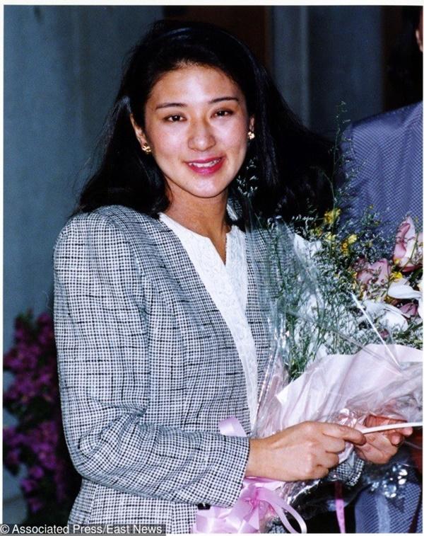 Những nữ nhân tài sắc vẹn toàn của Hoàng gia Nhật: Từ Hoàng hậu đến Công chúa ai cũng 10 phân vẹn mười, học vấn cao, hiểu biết hơn người-3