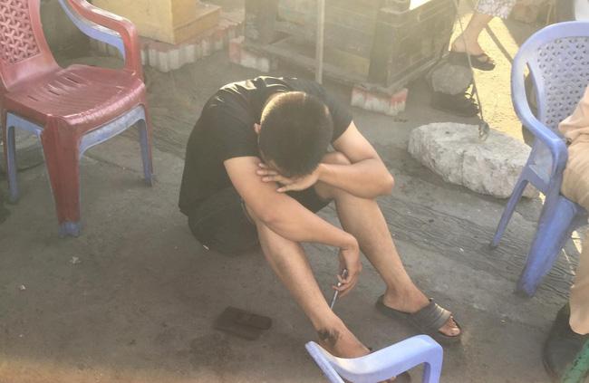 Nam thanh niên gào khóc thảm thiết khi người dì bị container cán tử vong trong lúc ra bến xe về quê nghỉ lễ-3