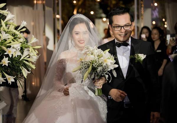 Clip Thảo Vân, Thành Trung dẫn đám cưới bị chê thớ lợ, giả dối-1