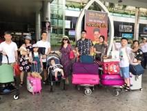 Đi trốn tận resort sang chảnh ở Đà Nẵng, đại gia đình Hằng Túi gây choáng với đội hình 10 thành viên ríu rít xếp hàng