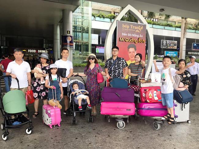 Đi trốn tận resort sang chảnh ở Đà Nẵng, đại gia đình Hằng Túi gây choáng với đội hình 10 thành viên ríu rít xếp hàng-1