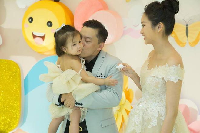Cuộc sống vất vả của vợ Lam Trường khi một mình chăm con-9