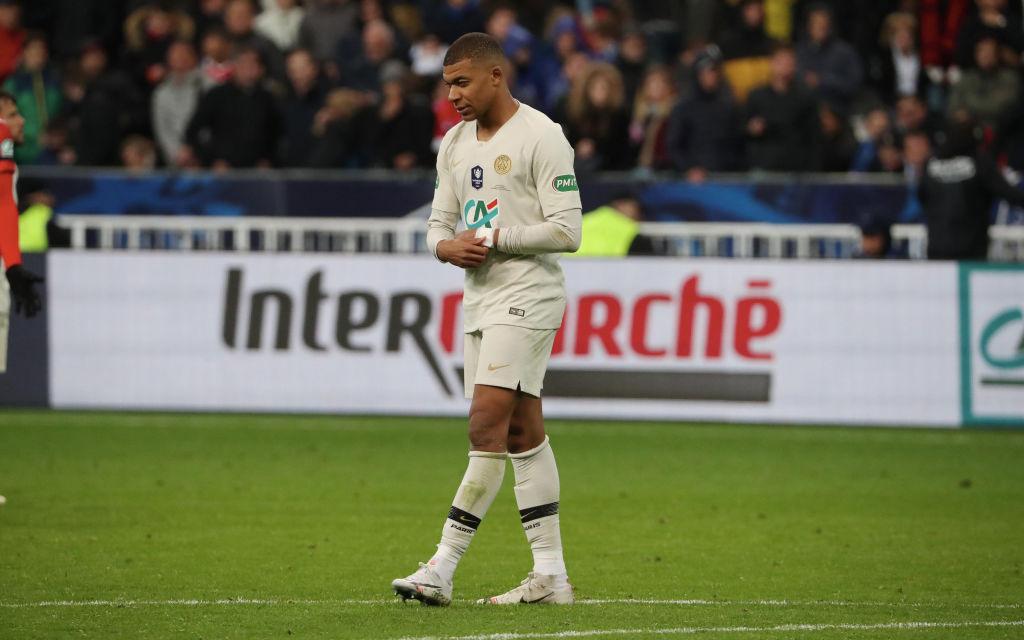 Truyền nhân Quả bóng vàng của Ronaldo và Messi đạp đối thủ ghê rợn, nhận thẻ đỏ ngay lập tức-5
