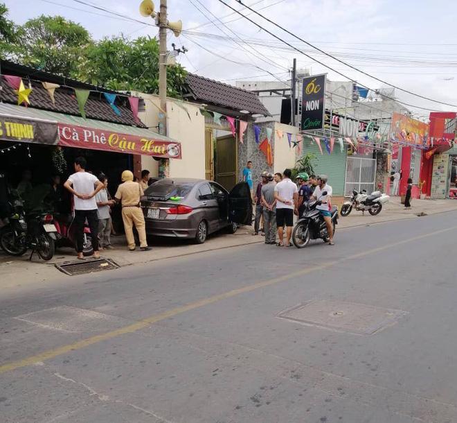 Tài xế nằm sùi bọt mép trong xe sau khi gây tai nạn ở Sài Gòn, nghi phê ma tuý-1