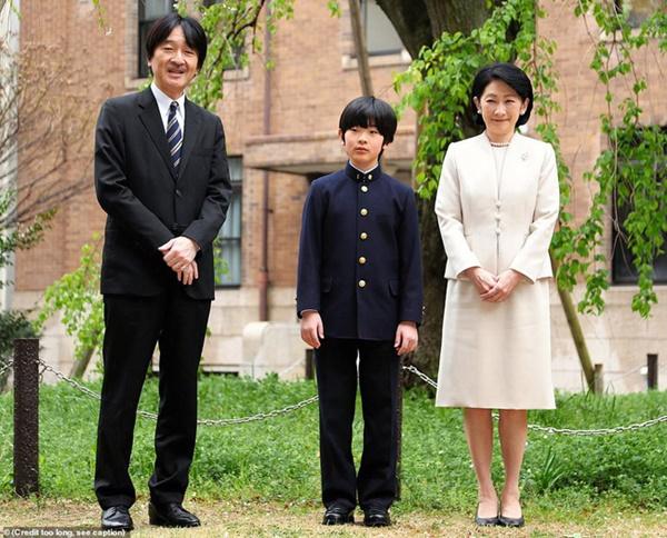 Trước thời khắc Nhật hoàng thoái vị, gia đình hoàng gia chấn động khi bất ngờ gặp phải mối đe dọa chưa từng có-1