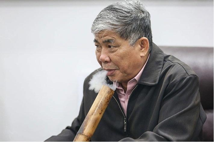 Giáo sư danh dự Dũng lò vôi, đại gia điếu cày 73 tuổi nhận bằng cử nhân-1